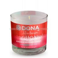 Вкусовая массажная свеча DONA Kissable Massage Candle Strawberry Souffle 135 г